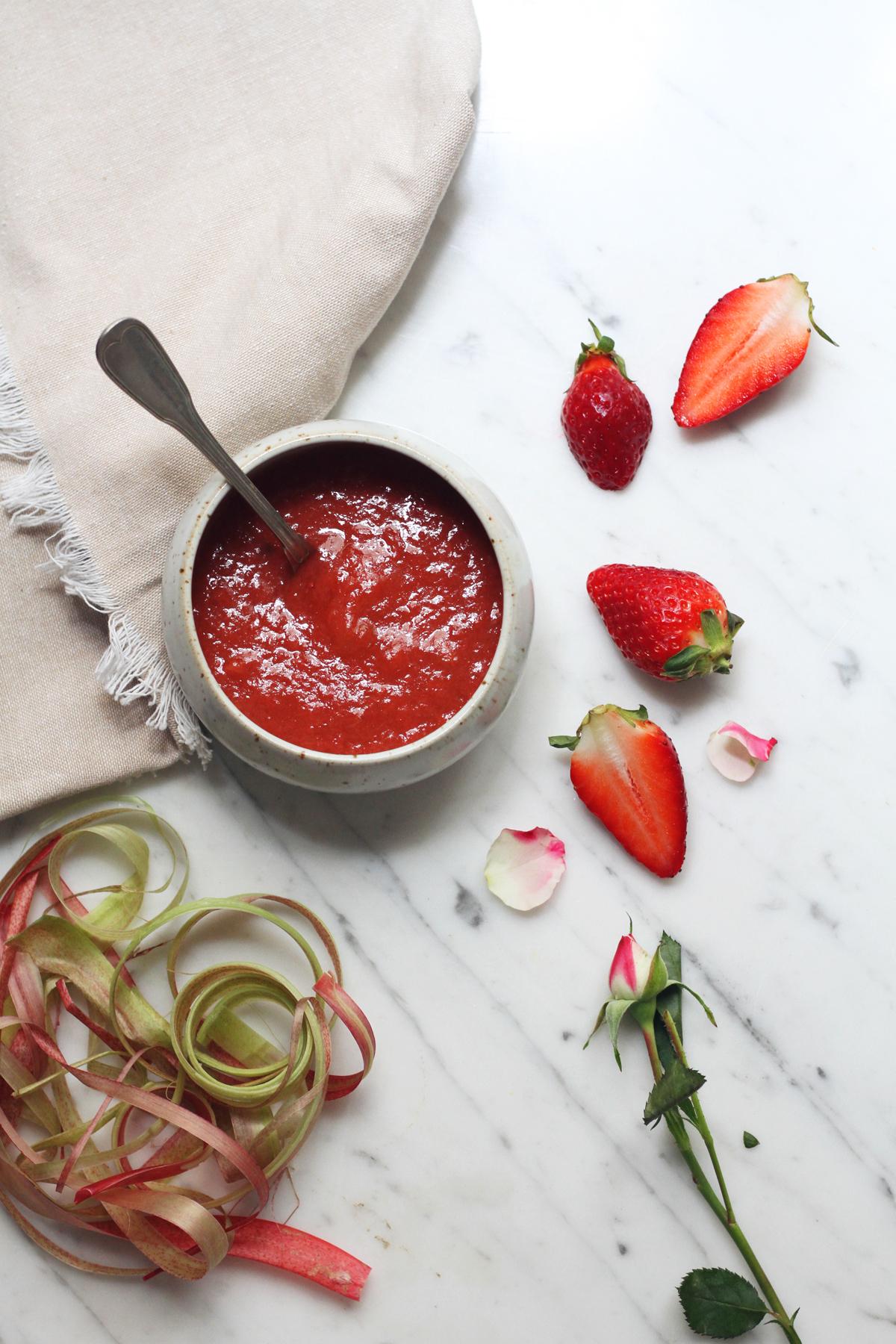 compote fraises rhubarbe s ta salt. Black Bedroom Furniture Sets. Home Design Ideas